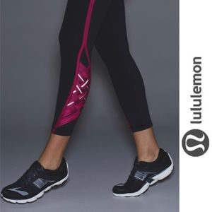 Lululemon Pace Tight Weave Pant Black Berry Rumble